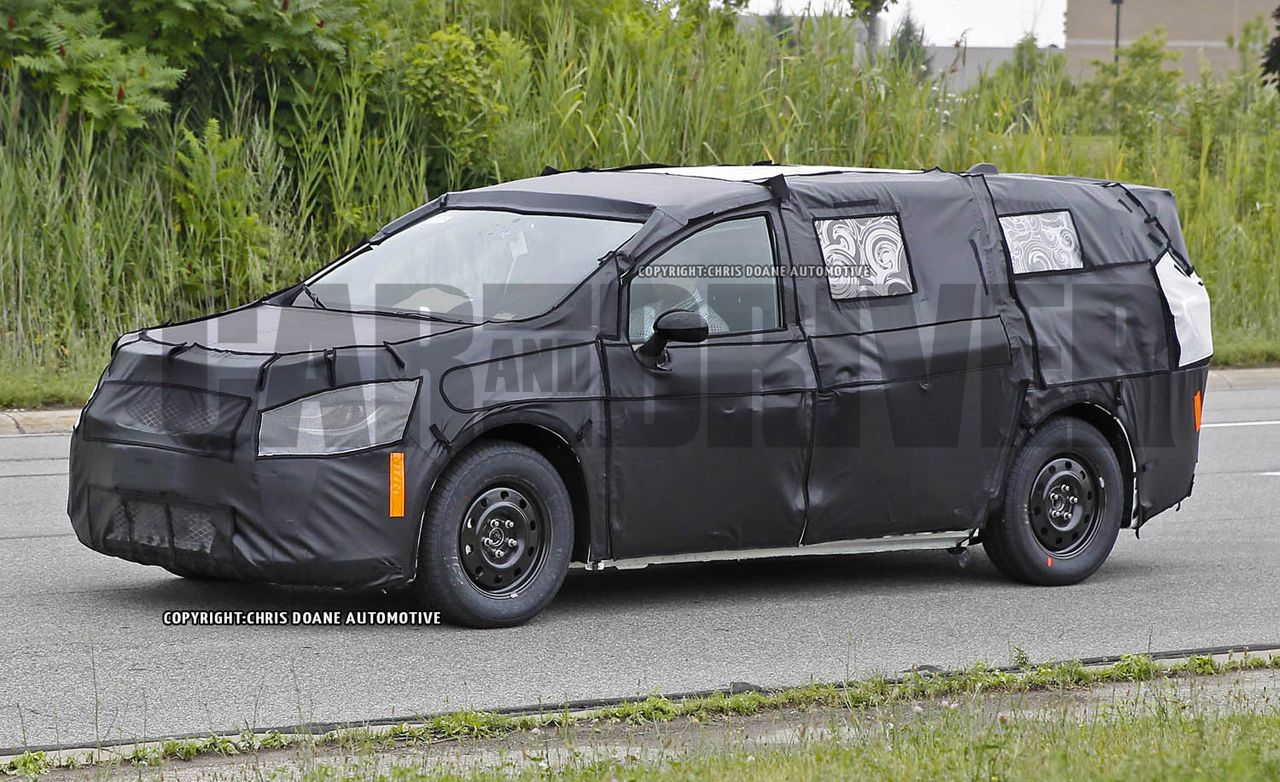 2017 Chrysler Town And Country >> 2017 Chrysler Town Country Spy Photos 8211 News And Future