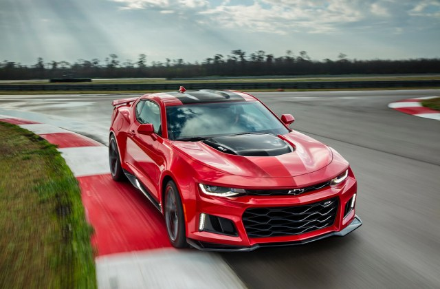 2017 Chevrolet Camaro Zl1 The Features A Supercharged - Medium