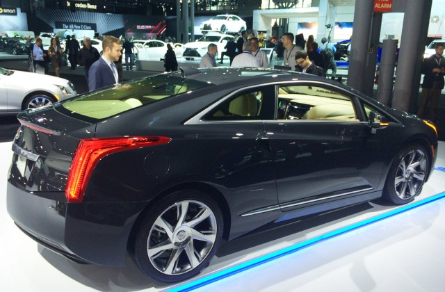 2015 Cadillac Elr Electric Coupe At The 2014 New York Auto Commercial - Medium