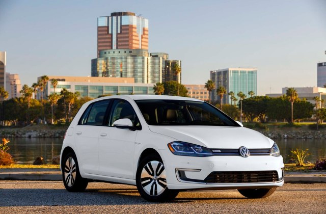 2017 Volkswagen E Golf Quick Drive Review Motor Trend - Medium