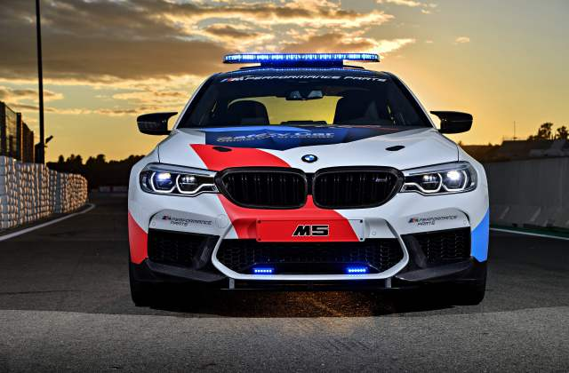 White And Red Bmw M5 Stock Car On Gray Road Hd Wallpaper For Android - Medium