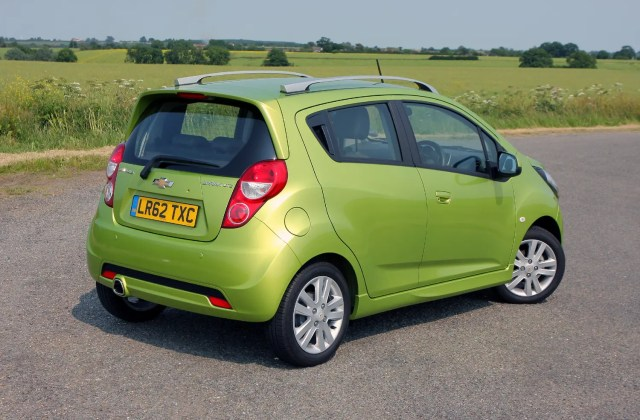 Chevrolet Spark Hatchback Review 2010 2015 Parkers Photo Gallery - Medium