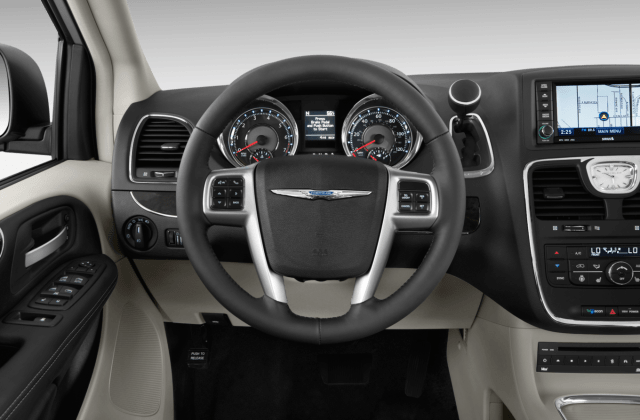 2011 Chrysler Town Country Reviews Research And Pictures - Medium