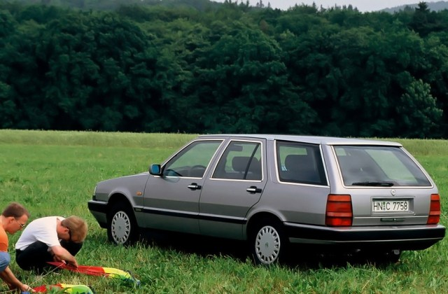 Lancia Thema Technical Specifications And Fuel Economy - Medium