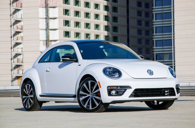 2013 volkswagen beetle r line coupe priced at 30 930 - medium