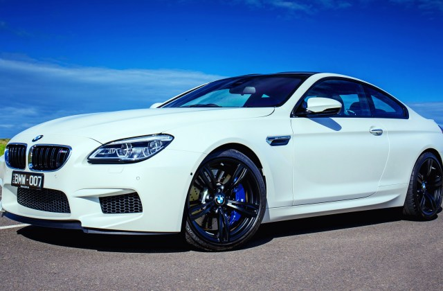 Wallpaper 4k Bmw M6 White Side View Wallpapers - Medium