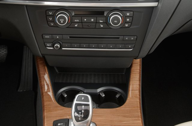 Bmw X3 2011 Cartype Interior Photo - Medium