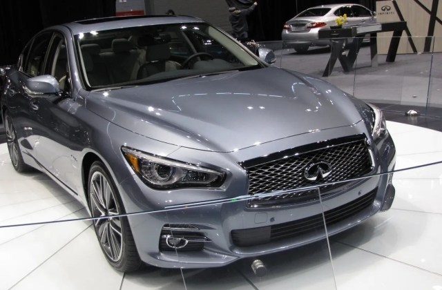 Performance Technology 2014 Infiniti Q50 Sedan - Medium