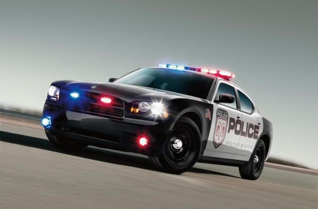 2010 dodge charger police car wallpapers hd drivespark fast 5 cars wallpaper - medium