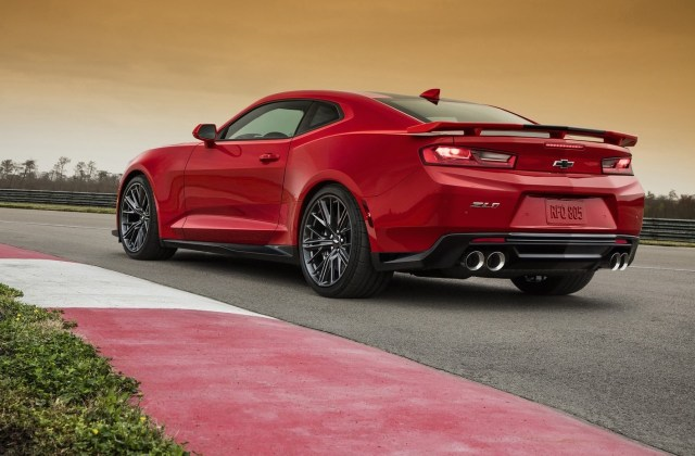 2017 Chevrolet Camaro Zl1 Revealed Debuts 10 Speed Auto Photo - Medium