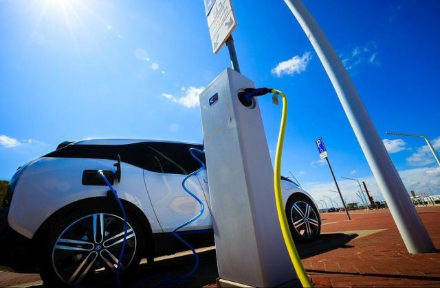 Electric Vehicle Smart Charging To Go Nationwide In The - Medium