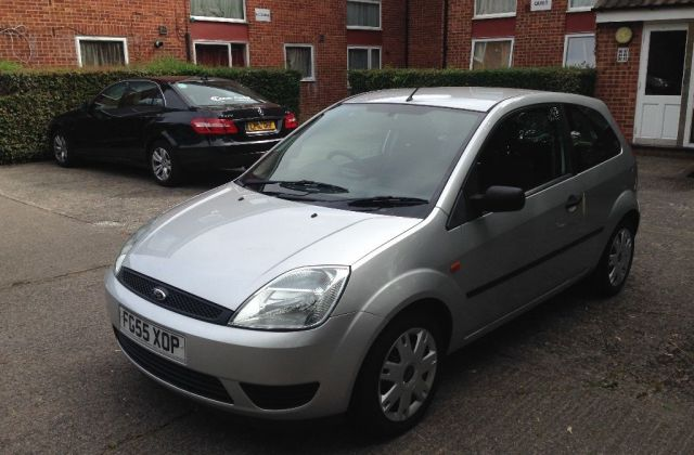 Ford Fiesta 1 25 2005 Technical Specifications Interior Photo - Medium