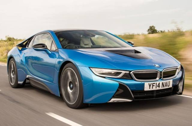 bmw i8 review safety features - medium
