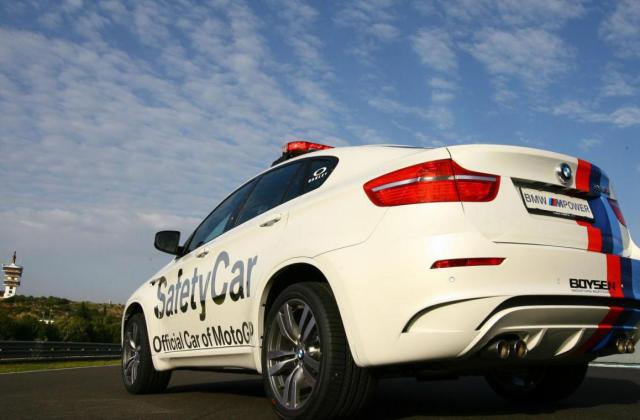 Bmw x6 m e71 photos and specs photo official - medium