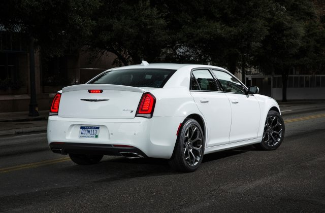 2017 Chrysler 300s Dresses Up With New Sport Appearance 300 Photos - Medium