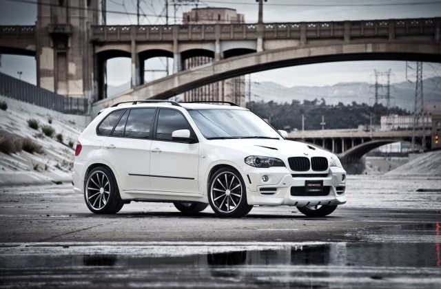 Bmw X5 White Wallpapers And Images Pictures - Medium