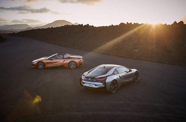 2019 bmw i8 roadster more juice in your tank wind safety features - medium