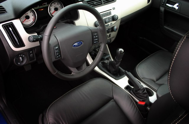 2008 Ford Focus Driver Seat Interior 08 Shoul Photos - Medium