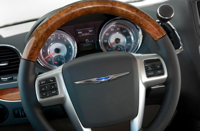 2011 Chrysler Town And Country Picture 42169 Pictures - Medium