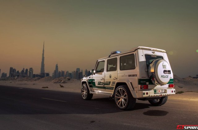 Official Brabus B63s 700 Widestar Dubai Police Edition - Medium