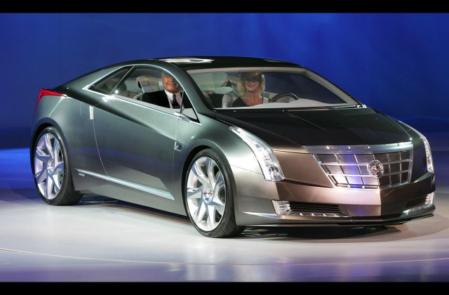 Cadillac Electric Elr Commercial - Medium