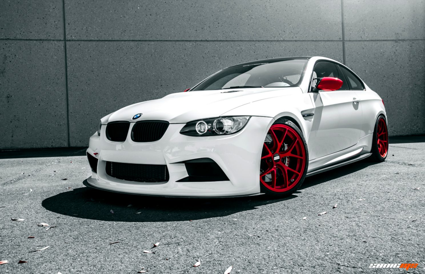 Bmw M3 E92 White Car Back Tuning Hd Wallpaper Wallpapers Ultra Sporty Gold Mags 2017 - Medium