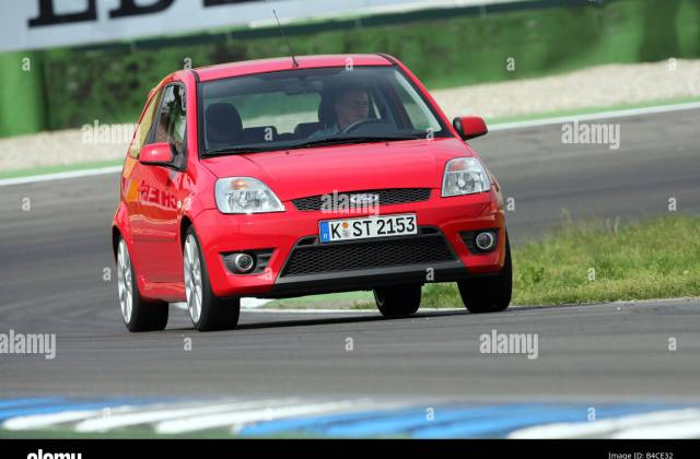 Car Ford Fiesta St Small Approx Red Model Year 2005 Photo - Medium