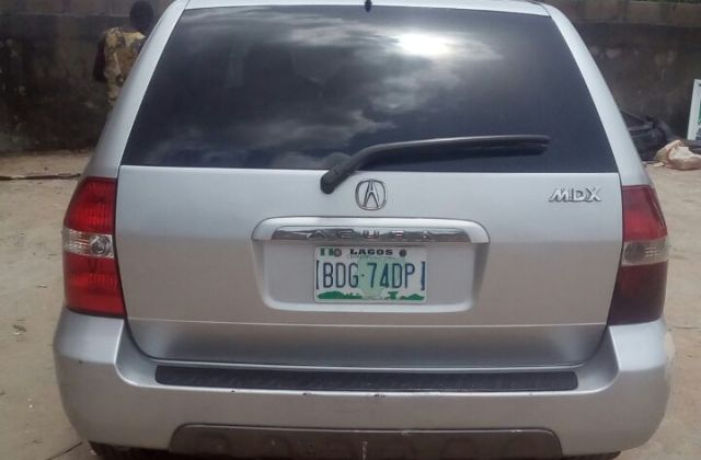 superclean acura mdx 03 forsale at a good price 1 250k - medium