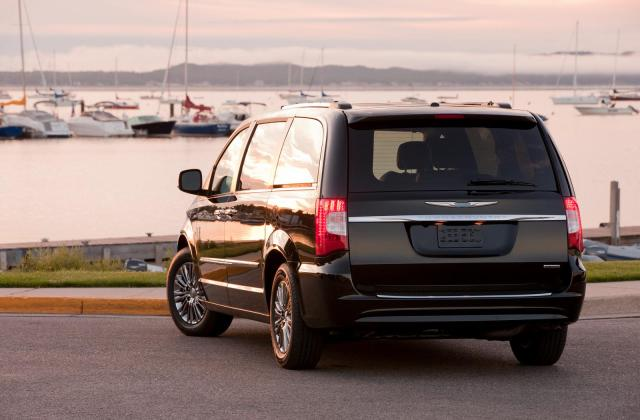 2011 Chrysler Town And Country Picture 42168 Pictures - Medium
