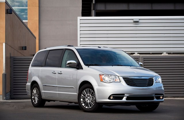 Next Gen Chrysler Minivan To See Return Of All Wheel Drive Town And Country Pictures 2011 - Medium