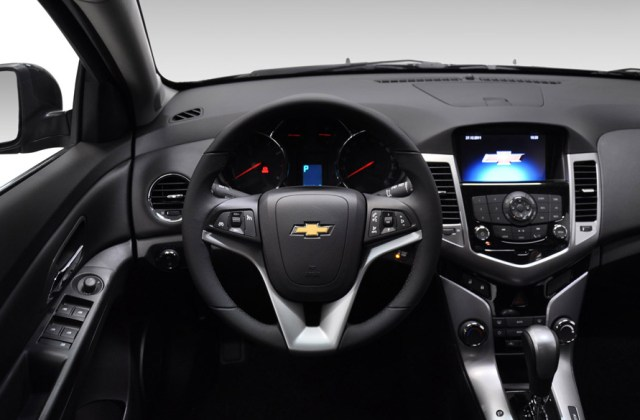 Chevrolet Cruze Sport6 arrives In Brazil For R 64 900 All Photos And Price Of 2013 - medium
