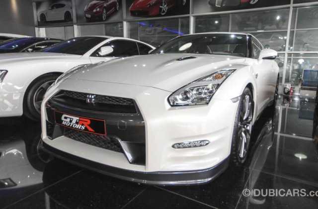 Nissan Gt R Black Edition For Sale Aed 440 000 Special - medium