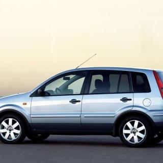 Ford fusion 1 6 tdci 90 hp photo of a - small