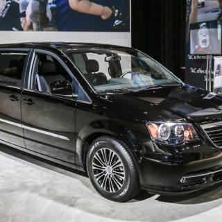 2013 chrysler town country s rolling into l a auto show photos