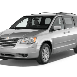 2010 chrysler town country reviews and rating motor trend photos