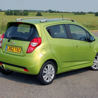 Chevrolet spark hatchback review 2010 2015 parkers photo gallery - small