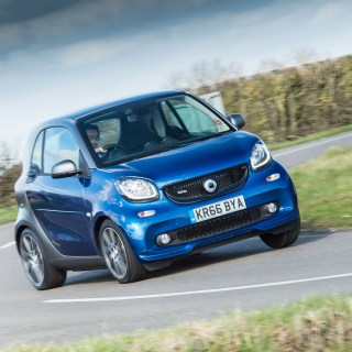 Smart fortwo brabus review small car big fun huge price 2013 carlsson race edition - small