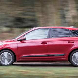 2016 hyundai i20 review quiet roomy and worth every penny - small
