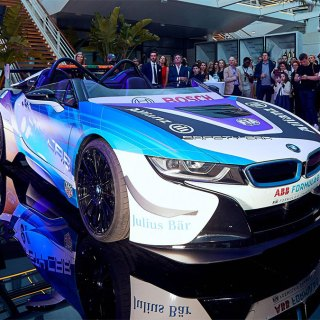 bmw provides formula e with new i8 speedster safety car features