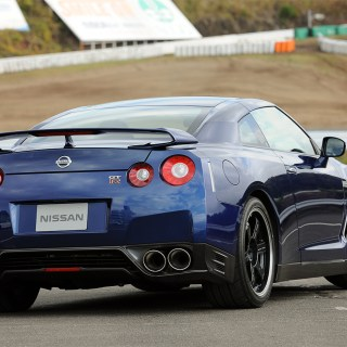 Nissan Gt R 933px Image 3 2013 - small