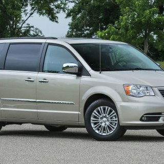 Chrysler Town Country News And Reviews Motor1 Com Photos - small