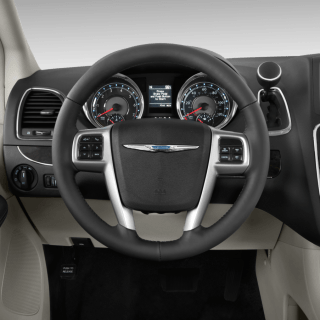 2015 chrysler town country reviews research prices specs motortrend photos