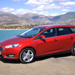 Focus Sw 2015 Pictures Break Photo New Ford - small