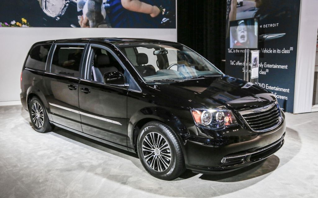 Chrysler town and country minivan black color photos - small