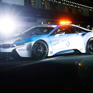 formula e s bmw i8 safety car has us wishing for an m features