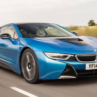 bmw i8 review safety features