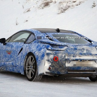 spy shots bmw s i8 hybrid coupe shows its revised photo