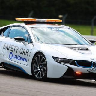 qualcomm reveals bmw i8 formula e safety car with wireless features