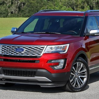 2017 Ford Explorer Driven Top Speed Photo - small