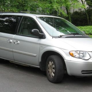 2000 chrysler town and country information photos